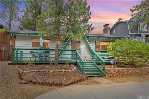Photo of 925 Robinhood Boulevard, Big Bear, CA 92314 (MLS # EV21121122)