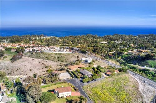 Photo of 28911 Wight Road, Malibu, CA 90265 (MLS # SR21070122)