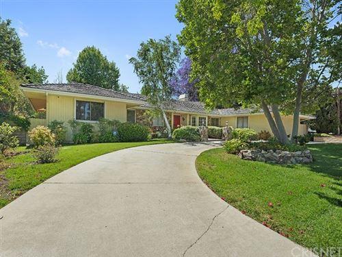 Photo of 10111 Topeka Drive, Northridge, CA 91324 (MLS # SR21124124)