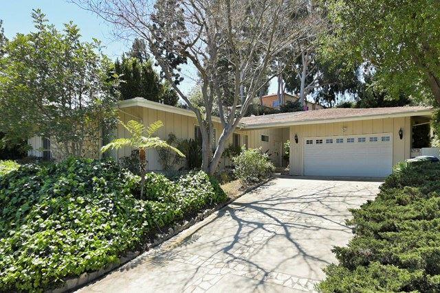 3523 Westfall Drive E, Encino, CA 91436 - MLS#: 221002124