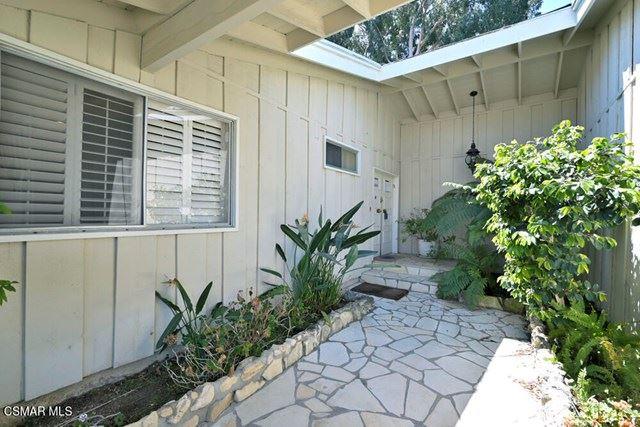 Photo of 3523 Westfall Drive E, Encino, CA 91436 (MLS # 221002124)