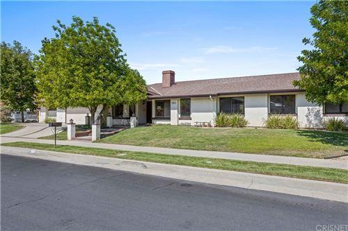 Photo of 22211 Acorn Street, Chatsworth, CA 91311 (MLS # SR21210125)