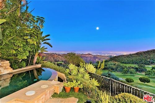 Photo of 2077 Highland Vista Lane, Los Angeles, CA 90049 (MLS # 20615126)