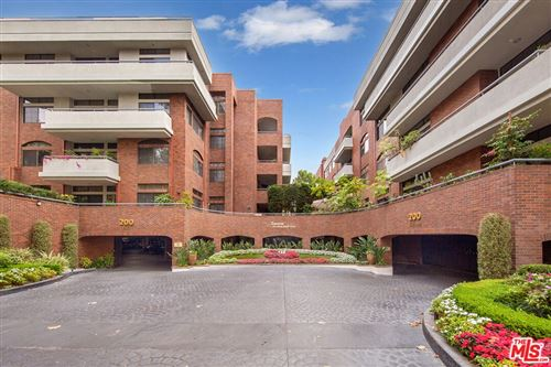 Photo of 200 SWALL Drive #405, Beverly Hills, CA 90211 (MLS # 21782126)