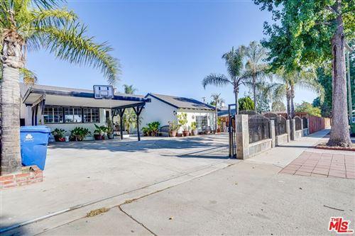 Photo of 10044 Noble Avenue, Mission Hills (San Fernando), CA 91345 (MLS # 21786126)