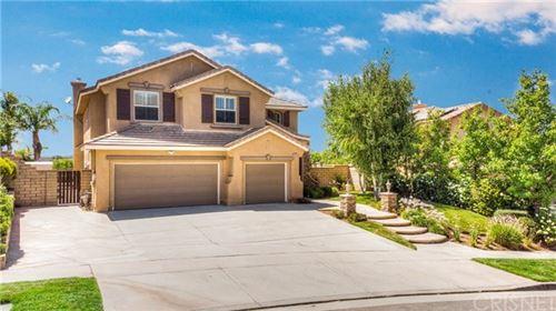 Photo of 28815 Garnet Canyon Drive, Saugus, CA 91390 (MLS # SR20151126)