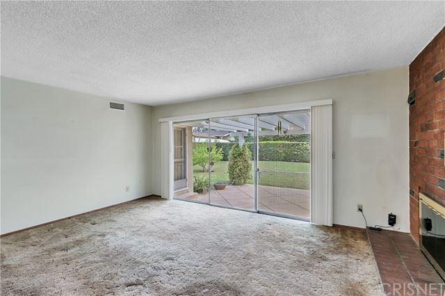 Photo of 16709 Rinaldi Street, Granada Hills, CA 91344 (MLS # SR21132126)