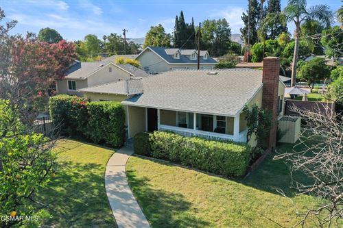 Photo of 17403 Los Alimos Street, Granada Hills, CA 91344 (MLS # 221004128)