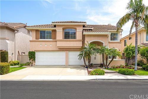 Photo of 4 El Corzo, Rancho Santa Margarita, CA 92688 (MLS # OC21123128)