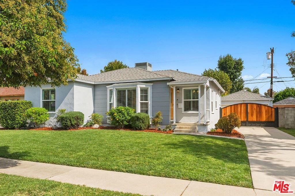 Photo of 6538 De Celis Place, Lake Balboa, CA 91406 (MLS # 21796128)