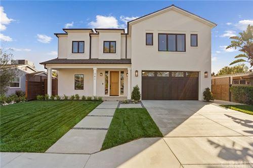 Photo of 381 Walnut Street, Costa Mesa, CA 92627 (MLS # LG21081129)