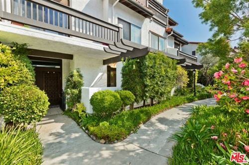 Photo of 1544 MICHAEL Lane, Pacific Palisades, CA 90272 (MLS # 20556130)
