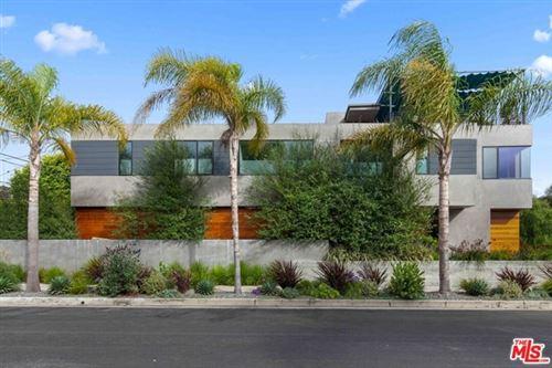 Photo of 931 Oxford Avenue, Marina del Rey, CA 90292 (MLS # 21702130)