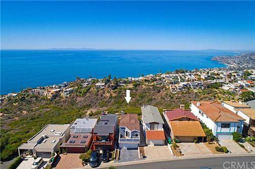 Photo of 835 Quivera Street, Laguna Beach, CA 92651 (MLS # OC18250130)