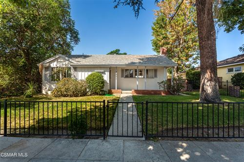 Photo of 7831 Mason Avenue, Winnetka, CA 91306 (MLS # 221005131)