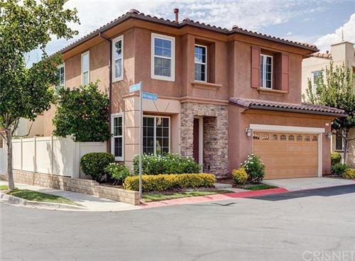 Photo of 26021 Nirvana Lane, Newhall, CA 91350 (MLS # SR20162131)