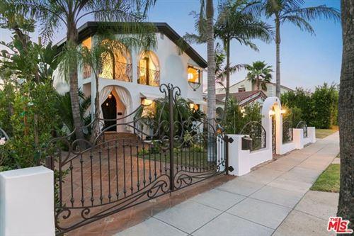 Photo of 209 N DOHENY Drive, Beverly Hills, CA 90211 (MLS # 21735132)