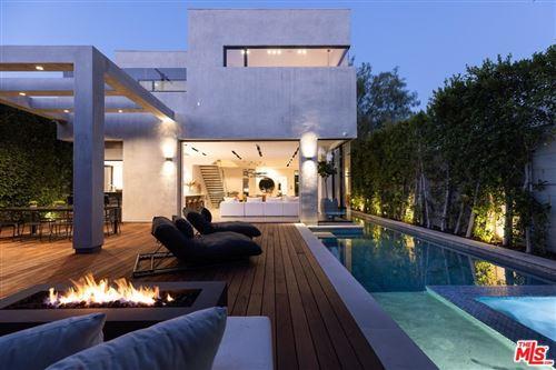 Photo of 609 N Edinburgh Avenue, Los Angeles, CA 90048 (MLS # 21766132)