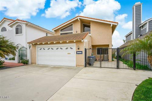 Photo of 3960 W Hemlock Street, Oxnard, CA 93035 (MLS # V1-5132)