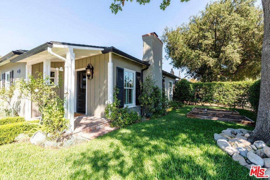 Photo of 210 Ramona Place, Pasadena, CA 91107 (MLS # 21786132)