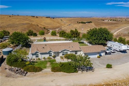 Photo of 4625 Vista Creston Lane, Paso Robles, CA 93446 (MLS # NS20199133)