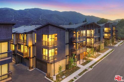 Photo of 4201 PENNSYLVANIA Avenue #D3, La Crescenta, CA 91214 (MLS # 20618134)