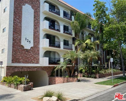 Photo of 125 Montana Avenue #404, Santa Monica, CA 90403 (MLS # 21732134)