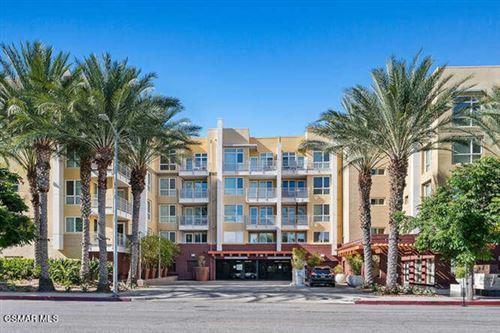 Photo of 21301 Erwin Street #447, Woodland Hills, CA 91367 (MLS # 221001134)