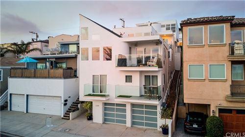 Photo of 3207 Crest Drive, Manhattan Beach, CA 90266 (MLS # PW21156135)