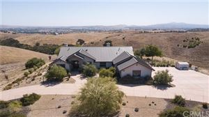 Photo of 6525 Straw Ridge Road, Paso Robles, CA 93446 (MLS # SC19214136)