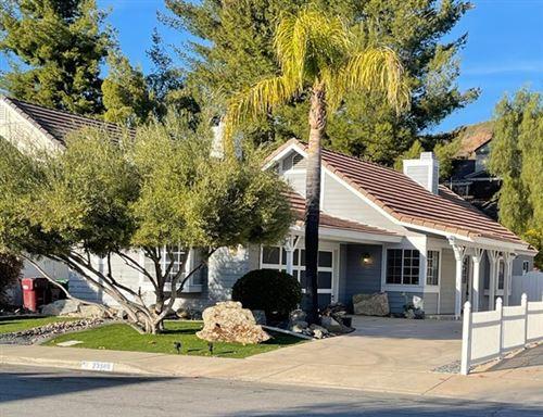Photo of 23986 Falconer Drive, Murrieta, CA 92562 (MLS # 531137)