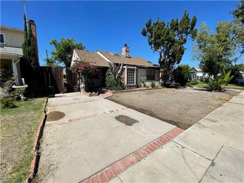 Tiny photo for 6323 Morella Avenue, North Hollywood, CA 91606 (MLS # OC21211137)