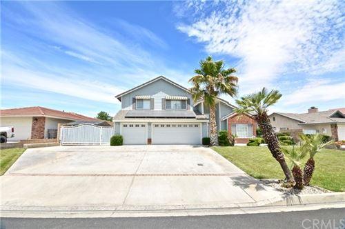 Photo of 18500 Tanglewood Road, Victorville, CA 92395 (MLS # EV20196138)