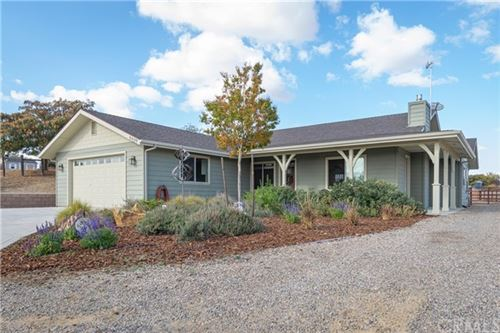 Photo of 5539 Reindeer Place, Paso Robles, CA 93446 (MLS # NS19272138)