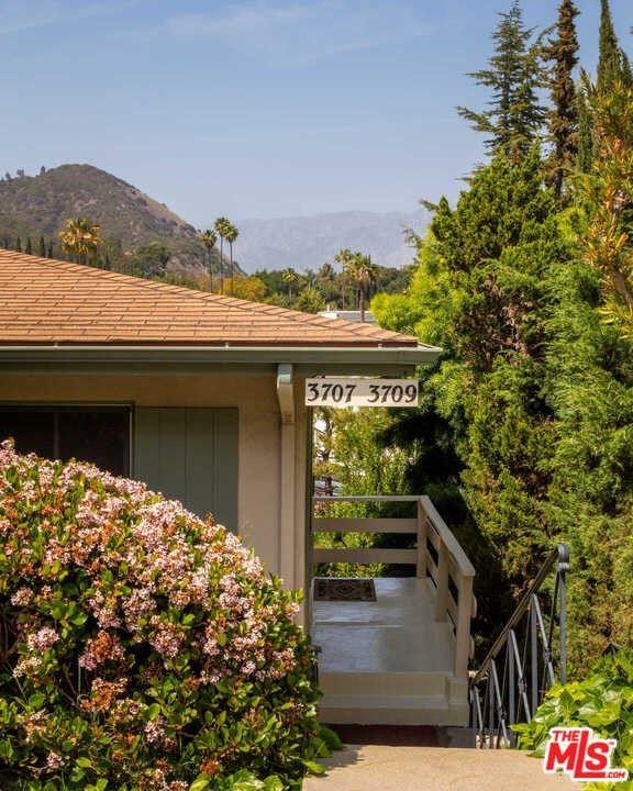 Photo of 3707 Arbolada Road, Los Angeles, CA 90027 (MLS # 21720138)