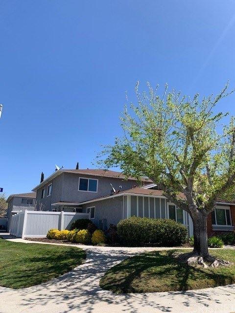 Photo for 20715 Dot Street, Saugus, CA 91350 (MLS # SR21076138)