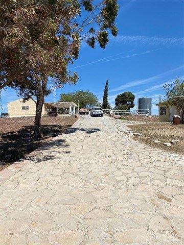 Photo of 2215 Moonshadow Ranch Road, Palmdale, CA 93550 (MLS # SR21089140)
