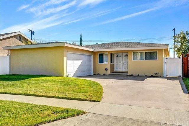 Photo of 7062 Sunnyslope Avenue, Valley Glen, CA 91405 (MLS # SR21070140)