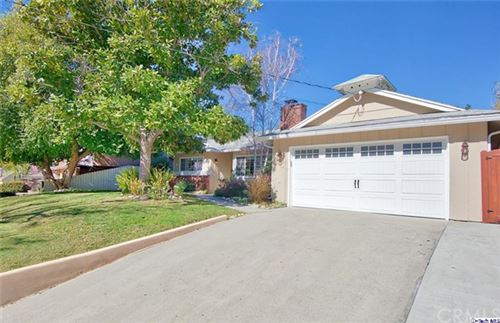 Photo of 2021 Oak Valley Road, Glendale, CA 91208 (MLS # 320005141)