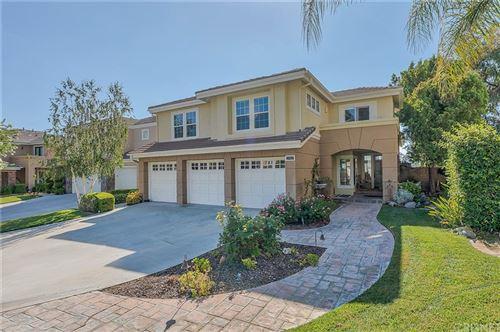 Photo of 27421 Weathersfield Drive, Valencia, CA 91354 (MLS # SR21156141)