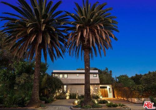 Photo of 706 S Westgate Avenue, Los Angeles, CA 90049 (MLS # 21710142)