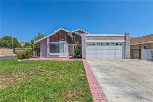 Photo of 27580 Cherry Creek Drive, Valencia, CA 91354 (MLS # SR21199142)