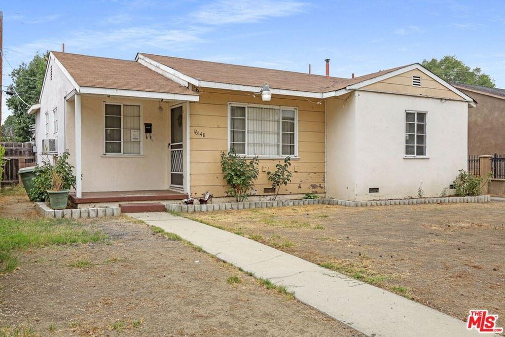 Photo of 16148 Haynes Street, Van Nuys, CA 91406 (MLS # 21779142)