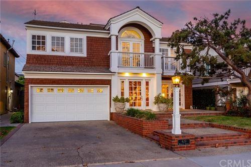 Photo of 420 Monrovia Avenue, Long Beach, CA 90814 (MLS # RS21132143)