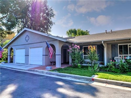 Photo of 26812 Circle Of The Oaks, Newhall, CA 91321 (MLS # SR20095144)