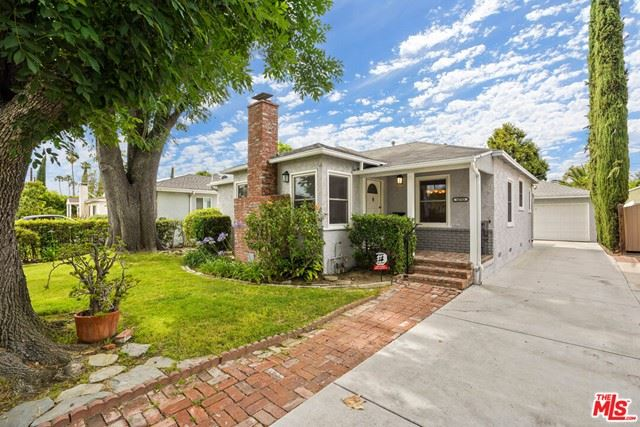 Photo of 14745 Cumpston Street, Sherman Oaks, CA 91411 (MLS # 21749144)