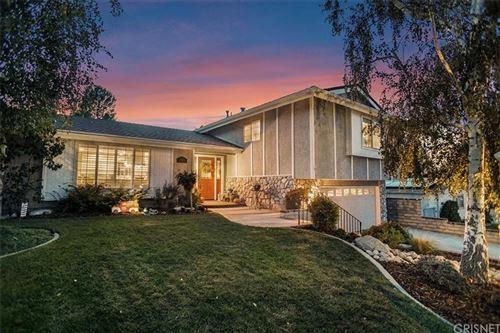 Photo of 26401 Torreypines Drive, Newhall, CA 91321 (MLS # SR21214145)