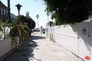 Photo of 25 CLUBHOUSE Avenue, Venice, CA 90291 (MLS # 18414146)