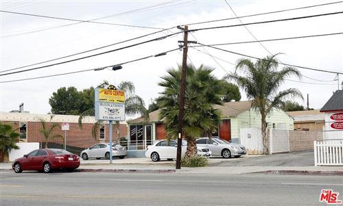 Photo of 18137 Parthenia Street, Northridge, CA 91325 (MLS # 21773146)
