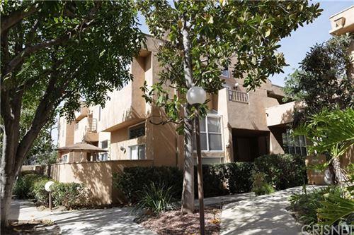 Photo of 18730 Hatteras Street #22, Tarzana, CA 91356 (MLS # SR21045146)